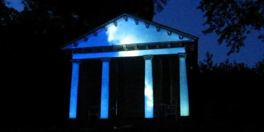 A Night of Light, Temple
